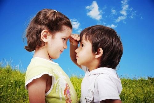 Cần so sánh trẻ với người khác khéo léo